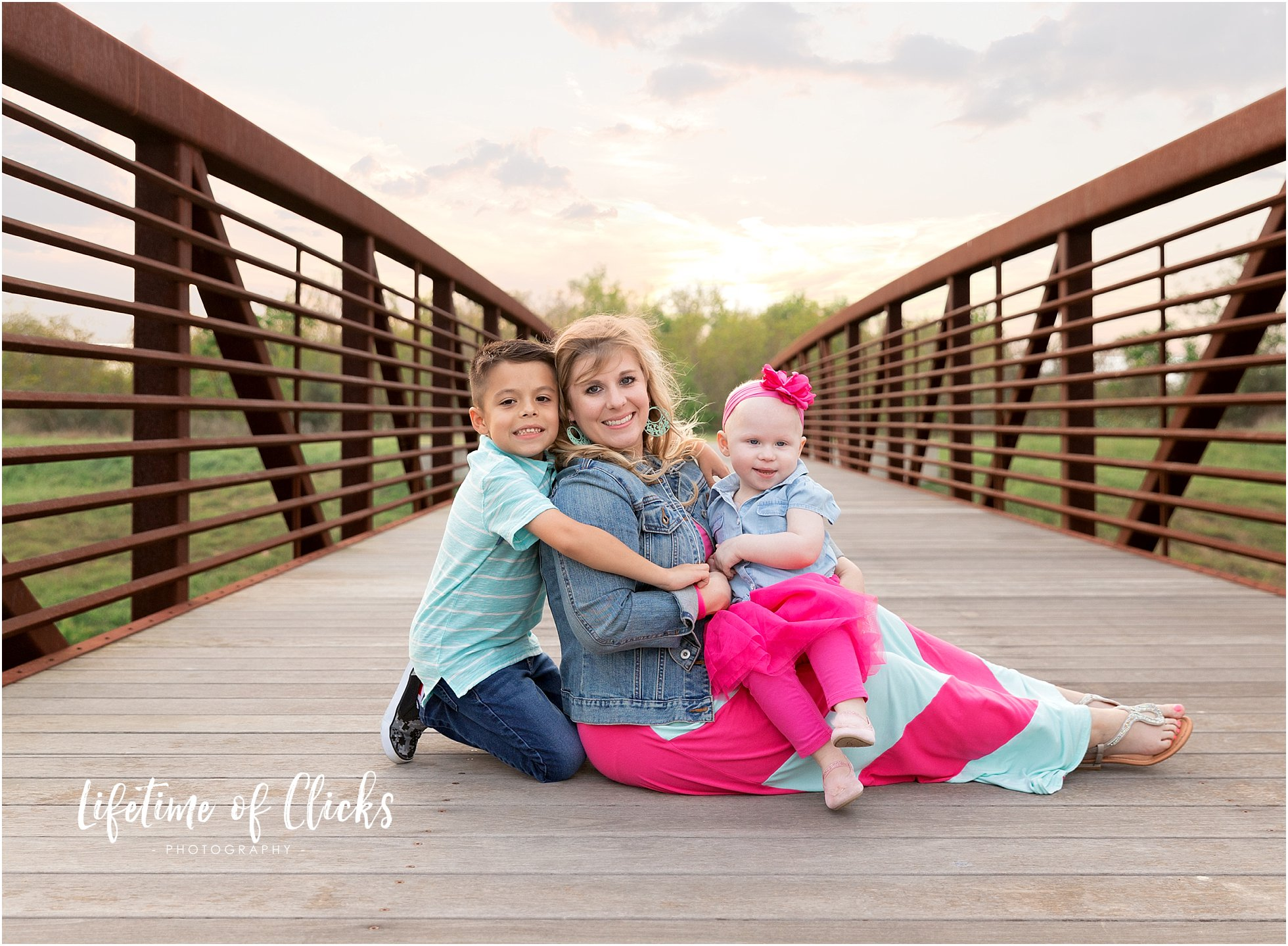 Colorful outfit ideas for mommy and me photo session