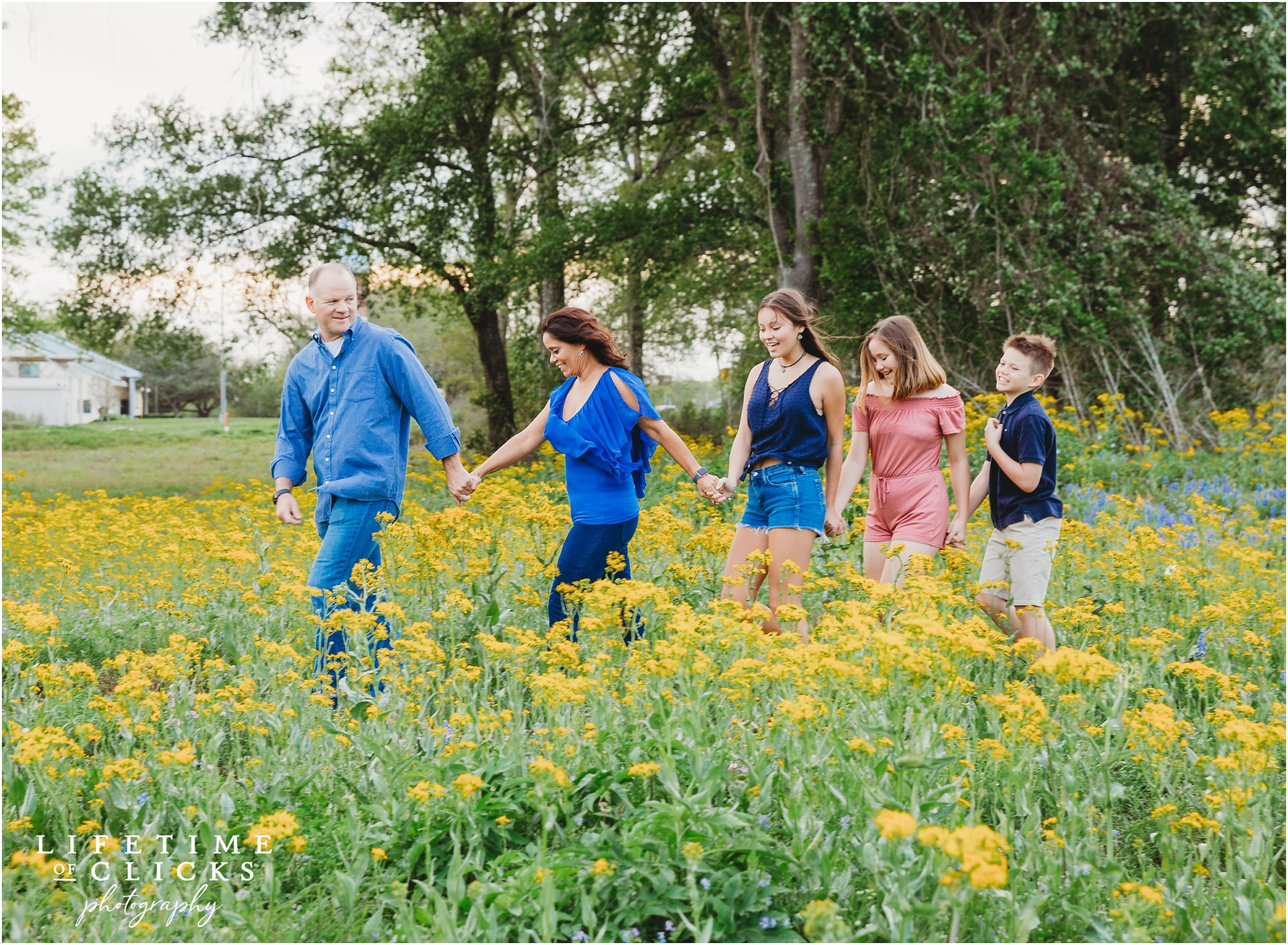 Houston Bluebonnets Sessions by Lifetime of Clicks Photography